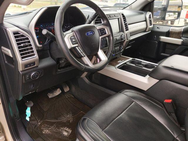 2017 Ford Super Duty F-250 Pickup Lariat in Pleasanton, TX 78064
