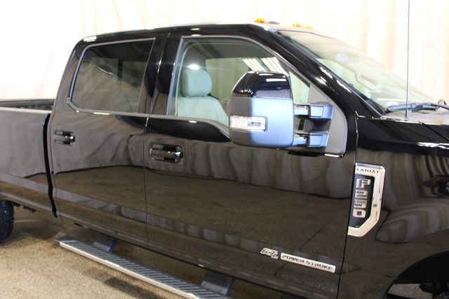 2017 Ford Super Duty F-250 Pickup Lariat in Roscoe IL, 61073