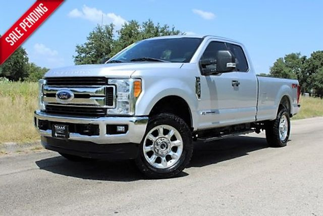 2017 Ford Super Duty F-250 Pickup XLT in Temple, TX 76502