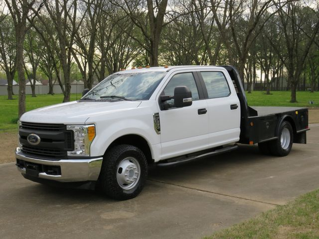 2017 Ford Super Duty F-350 Crew Cab XL Flat Bed in Marion, Arkansas 72364