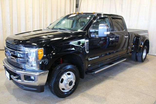 2017 Ford Ford F-350 diesel 4x4 Dually Lariat in Roscoe, IL 61073