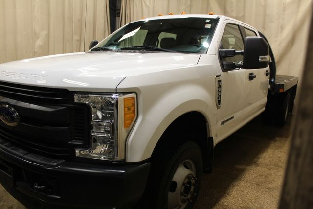 2017 Ford Super Duty F-350 diesel 4x4 flat bed XL in Roscoe, IL 61073