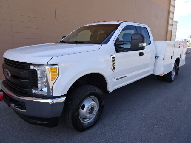 2017 Ford Super Duty F-350 DRW Chassis Cab XL Utility Bed 4x4