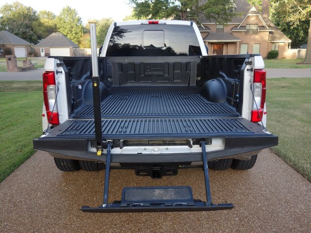 2017 Ford Super Duty F-350 DRW Pickup Lariat in Marion AR, 72364
