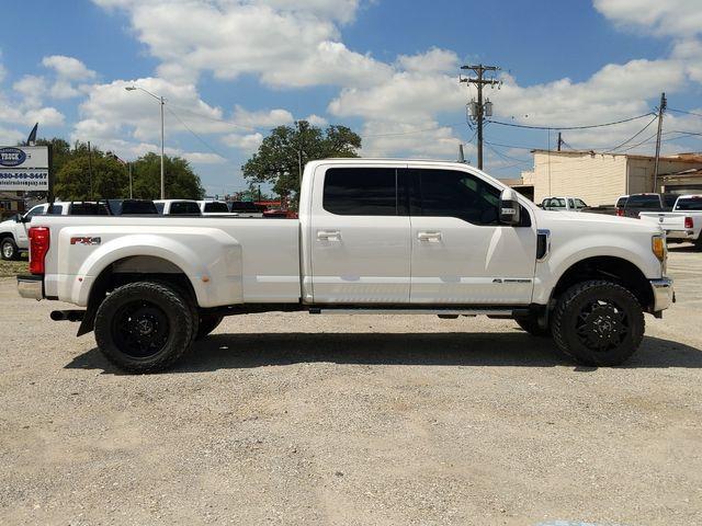 2017 Ford Super Duty F-350 DRW Pickup Lariat in Pleasanton, TX 78064