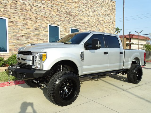 2017 Ford Super Duty F-350 SRW Pickup XLT