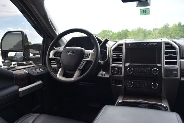 2017 Ford Super Duty F-350 SRW Pickup Lariat Naugatuck, Connecticut 15
