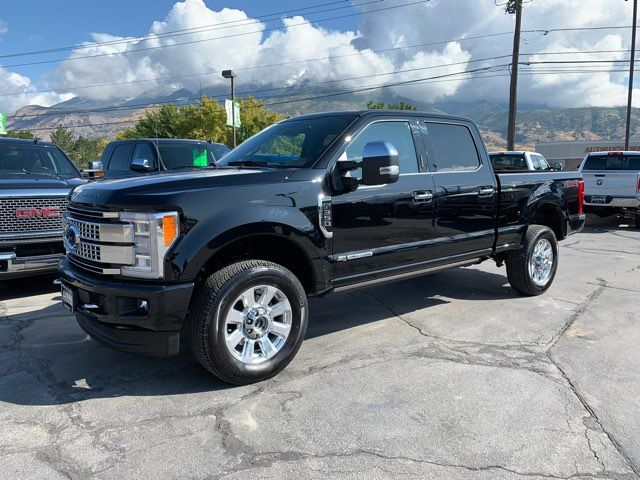2017 Ford Super Duty F-350 SRW Pickup Platinum