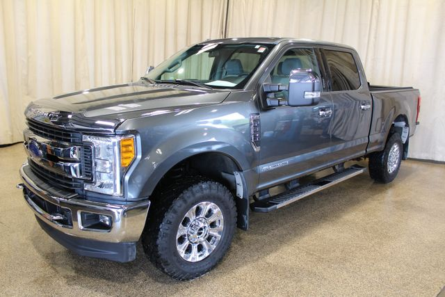 2017 Ford Super Duty F-350 Diesel 4x4 XLT in Roscoe IL, 61073