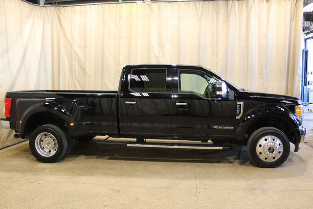 2017 Ford Super Duty F-450 Dually diesel 4x4 XLT in Roscoe, IL 61073