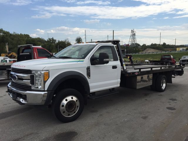 2017 Ford Super Duty F-550 DRW Chassis Cab XL