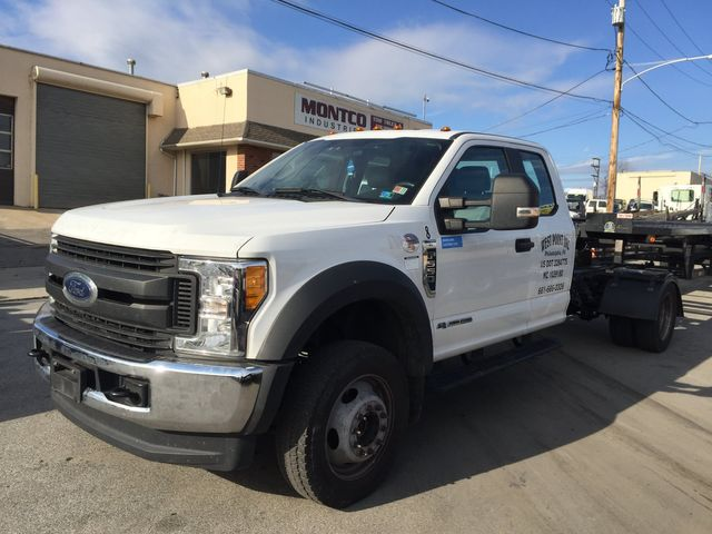 2017 Ford Super Duty F-550 DRW Chassis Cab XLT