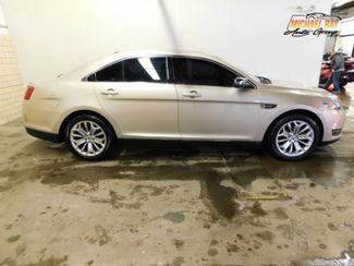 2017 Ford Taurus Limited in Cleveland , OH 44111