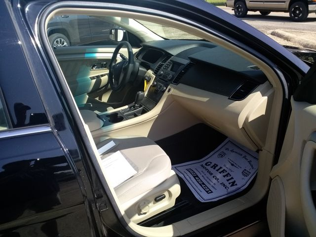 2017 Ford Taurus SE Houston, Mississippi 7