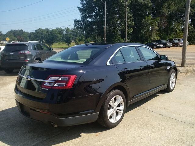 2017 Ford Taurus SE Houston, Mississippi 4