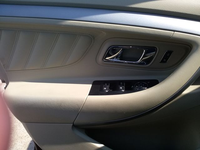 2017 Ford Taurus SE Houston, Mississippi 12