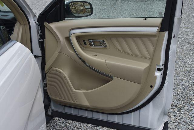 2017 Ford Taurus SEL Naugatuck, Connecticut 10