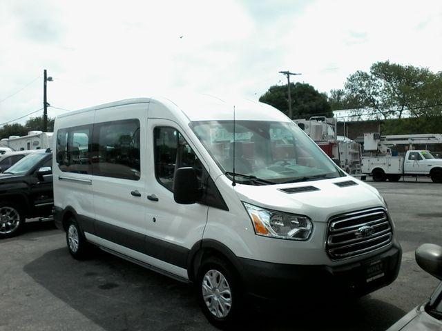 2017 Ford Transit Wagon 15 passg. XLT mid roof San Antonio, Texas 1