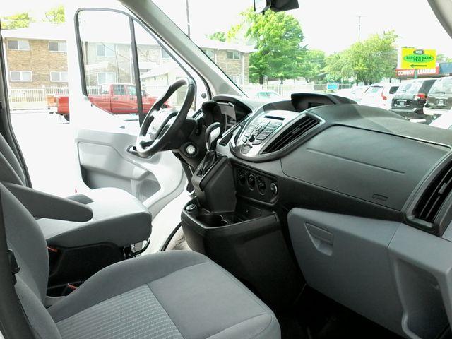 2017 Ford Transit Wagon 15 passg. XLT mid roof San Antonio, Texas 13