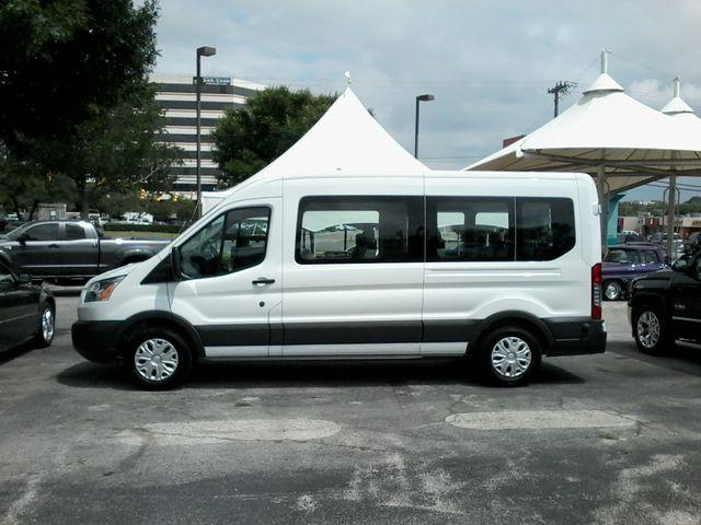 2017 Ford Transit Wagon 15 passg. XLT mid roof San Antonio, Texas 3