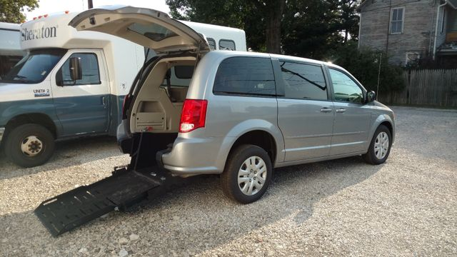 2017 Fr Conversions Dodge Grand Caravan Wheelchair Accessible Van Alliance, Ohio 9