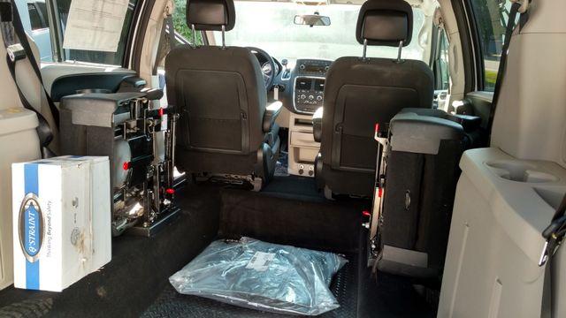 2017 Fr Conversions Dodge Grand Caravan Wheelchair Accessible Van Alliance, Ohio 14