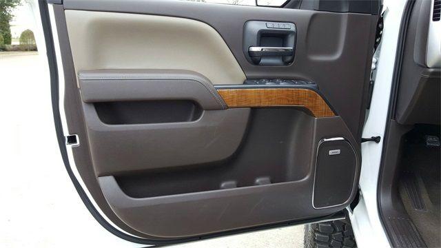 2017 GMC Sierra 1500 SLT LIFT/CUSTOM WHEELS AND TIRES in McKinney, Texas 75070