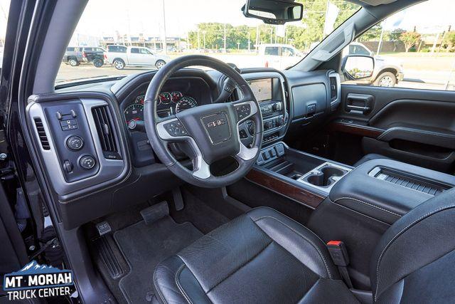 2017 GMC Sierra 1500 SLT 4X4 Z71 in Memphis, Tennessee 38115