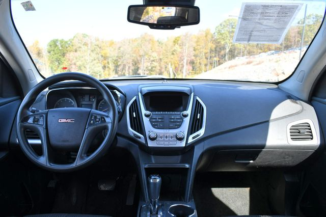 2017 GMC Terrain SLE Naugatuck, Connecticut 17