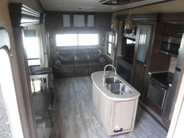 2017 Grand Design Solitude 321RL Salem, Oregon 4