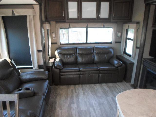 2017 Grand Design Solitude 321RL Salem, Oregon 4