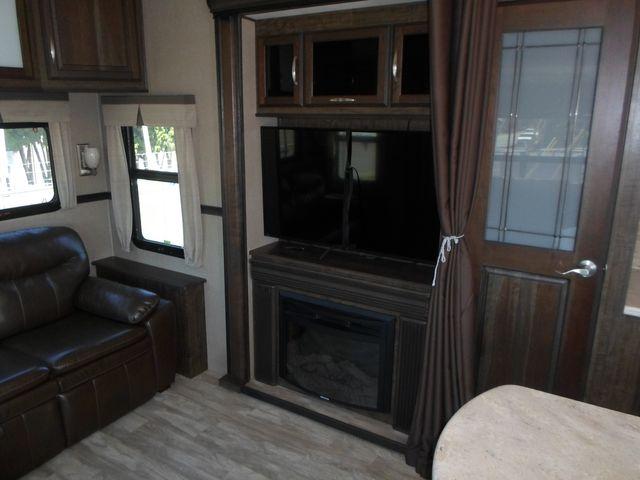 2017 Grand Design Solitude 321RL Salem, Oregon 5