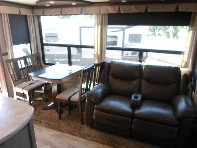 2017 Grand Design Solitude 321RL Salem, Oregon 7