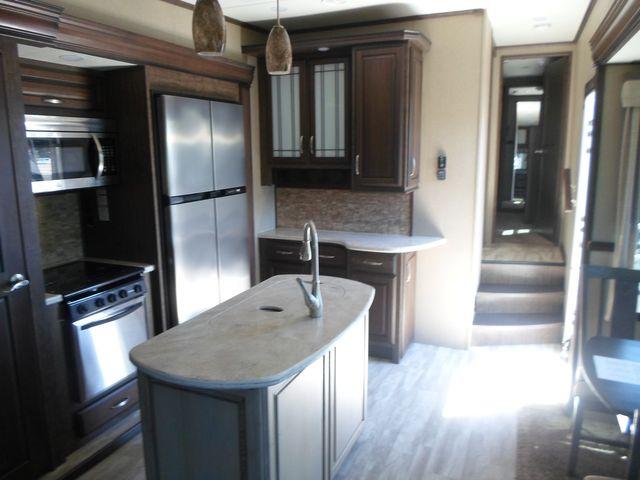 2017 Grand Design Solitude 321RL Salem, Oregon 8