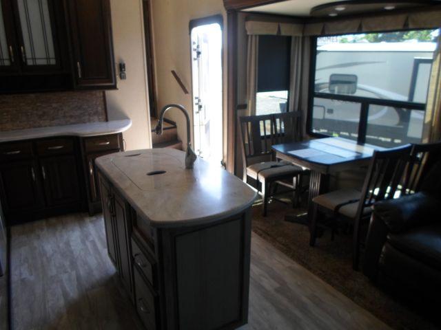2017 Grand Design Solitude 321RL Salem, Oregon 9