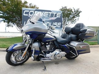 2017 Harley-Davidson CVO Ultra Limited FLHTKSE Screaming Eagle 10k in Dallas, Texas 75220