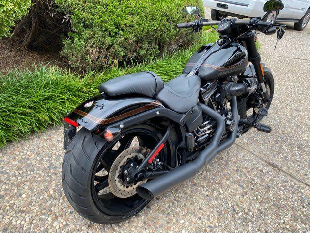 2017 Harley-Davidson FXSBSE CVO Pro Street Breakout in McKinney, TX 75070