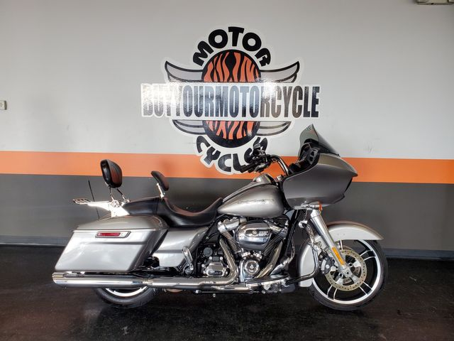 2017 Harley-Davidson Road Glide® Base in Fort Worth , Texas 76111