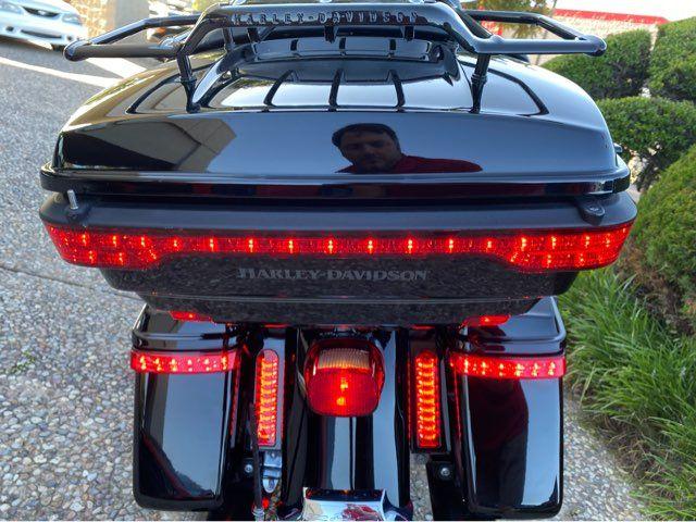 2017 Harley-Davidson Road Glide Ultra FLTRU in McKinney, TX 75070