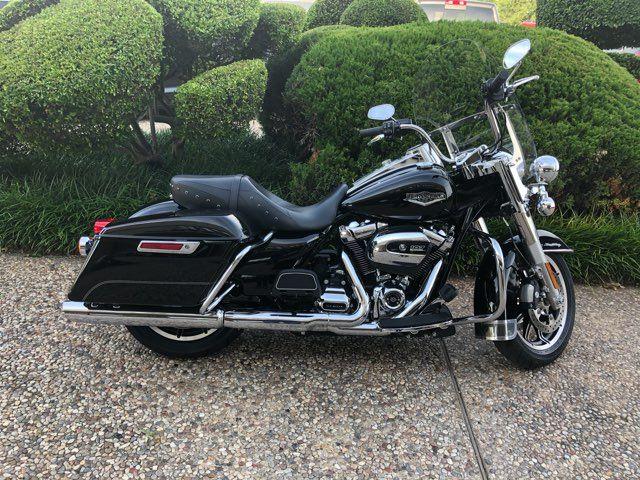 2017 Harley-Davidson Road King Base