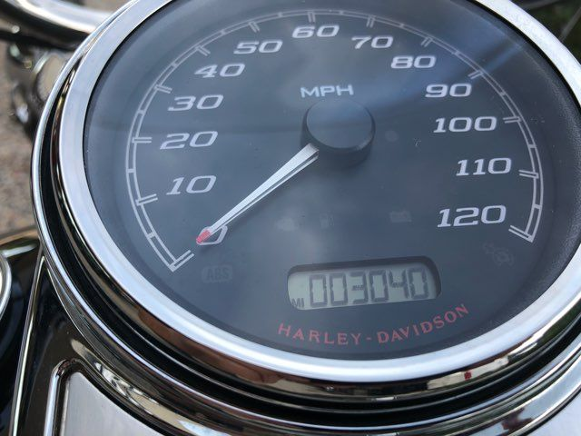 2017 Harley-Davidson Road King Base in McKinney, TX 75070