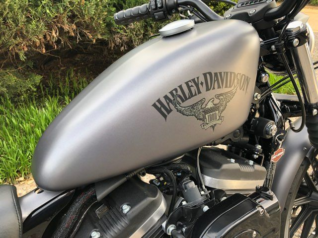 2017 Harley-Davidson Sportster Iron 883 in McKinney, TX 75070