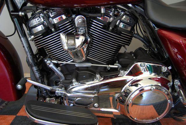 2017 Harley-Davidson Street Glide® Base Jackson, Georgia 17