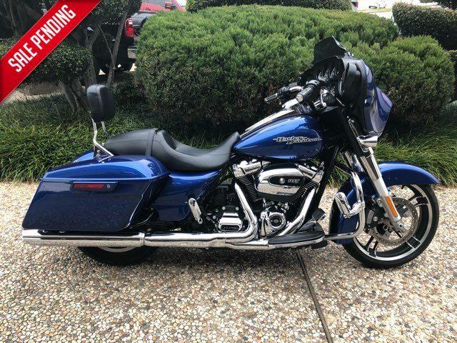 2017 Harley-Davidson Street Glide® Base