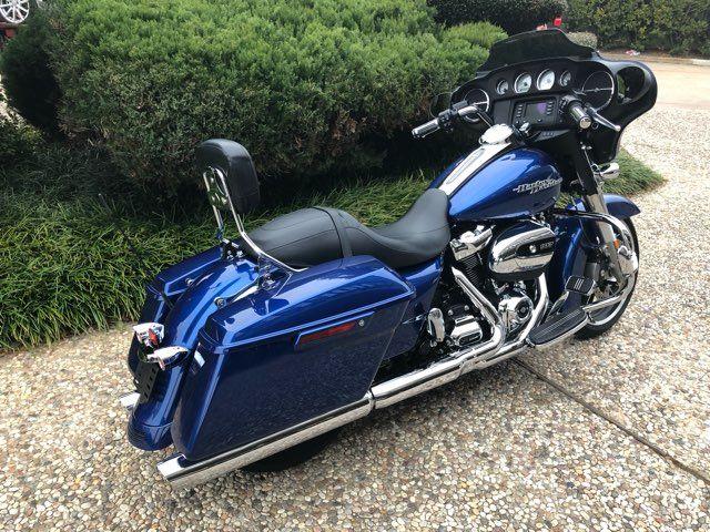 2017 Harley-Davidson Street Glide® Base in McKinney, TX 75070