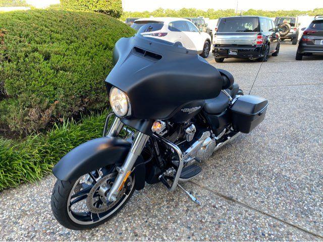 2017 Harley-Davidson Street Glide Special in McKinney, TX 75070