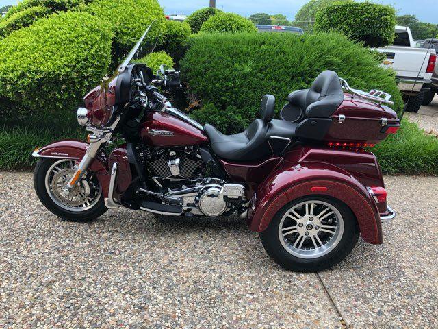 2017 Harley-Davidson Tri Glide Ultra Tri Glide® Ultra in McKinney, TX 75070