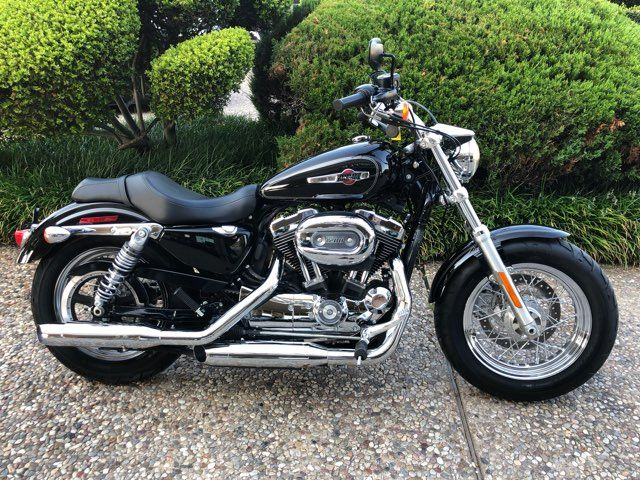 2017 Harley-Davidson XL1200 Custom ONLY 1357 MILES