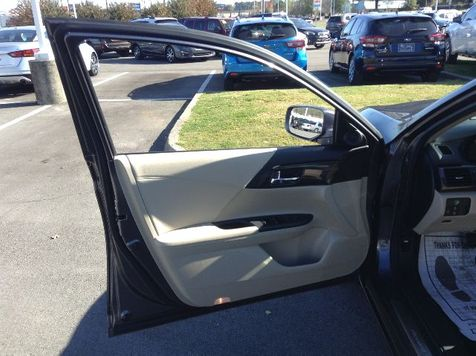 2017 Honda Accord  | Huntsville, Alabama | Landers Mclarty DCJ & Subaru in Huntsville, Alabama