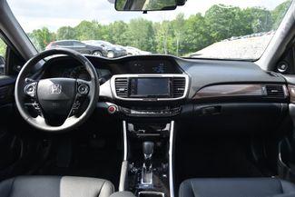 2017 Honda Accord EX-L Hybrid Naugatuck, Connecticut 12